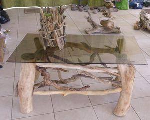 Nouveautes table en bois flott et lampes le blog de for Comment travailler le bois flotte