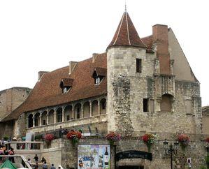 le-chateau-de-Nerac.jpg
