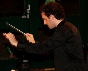 Konzert entgrenzt 02 Kushtrim Gashi Dirigent 1