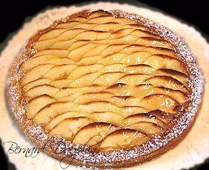 tarte-aux-pommes--babanes-et-caramel-au-beurre-sale-copie.jpg