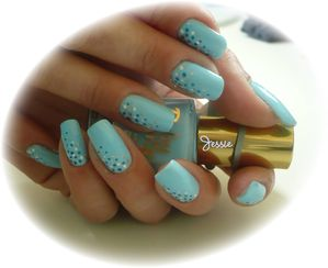 blog.Vernis-RubyWing-Moonstone.NailArt-points1.jpg