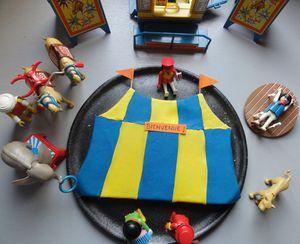 gateau chapiteau de cirque et playmobil