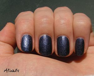 Essence Nail Effect 07 Jeans 2