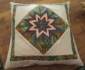 COUSSIN-ETOILE-CLAIRE-01.jpg