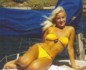 732px-Woman_with_Yellow_Bikini.jpg