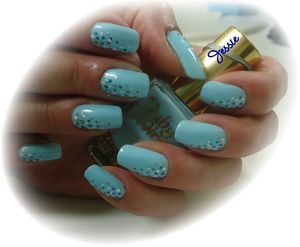 blog.Vernis-RubyWing-Moonstone.NailArt-points2.jpg