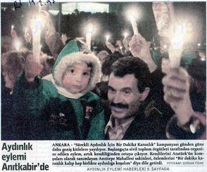 97.02.19 rd aydınlık eylemi Anıtkabir'de - copie