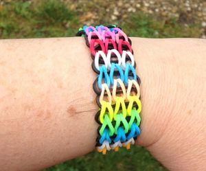 Bracelet Rainbow Loom manchette