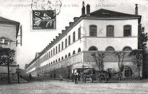 Caserne Grammont, Façade de l'aigle, Rue de Paris à Saint-Germain-en-Laye