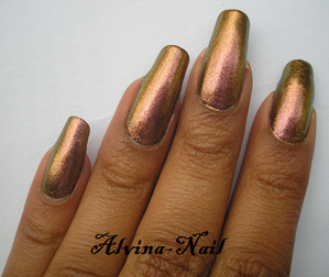 color-club---wild-and-willing4--Alvina-Nail.png