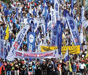 50-000-march-in-Prague-against-Czech-welfare-cuts_large.jpg