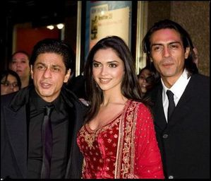 With-SRK-and-Arjun.JPG