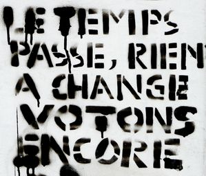 Le-temps-passe--rien-a-change-Votons-encore.jpg