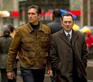 Jim-Caviezel-and-Michael-Emerson-of-Person-of-Interest gall