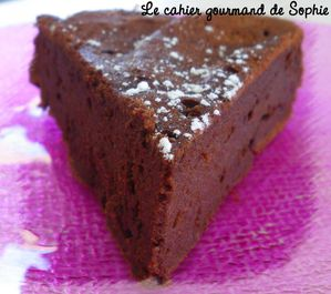 http://img.over-blog.com/300x265/2/35/79/25/Chocolat/moelleux-choco-petit-suisse-coupe180910.jpg