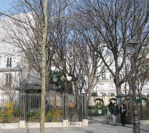 place des abbesses 005