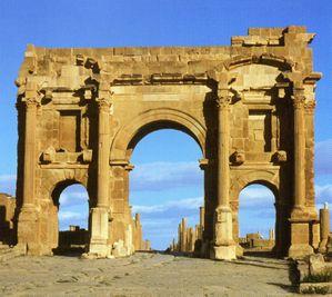 vestiges-de-Timgad--fondee-en-100-par-l-empereur-Trajan---.jpg