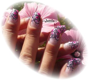 nail art onestroke grosse fleur rose en french les ongles de jessie. Black Bedroom Furniture Sets. Home Design Ideas