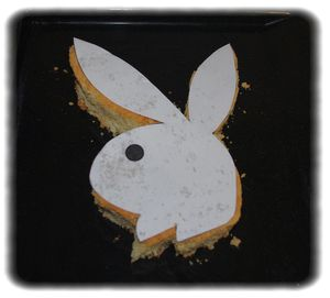 Lapin-playboy-decoupe.jpg