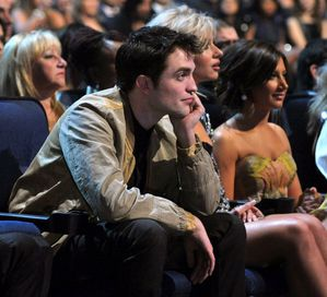 Robert Pattinson People's Choice Awards audience 1