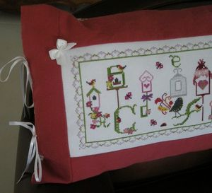 coussin broderie 007 marie anne hot 19801 bla