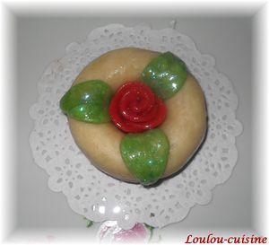 anneaux fleuris aux dattes et amandes5