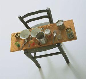 http://img.over-blog.com/300x278/4/03/74/11/articles/1930-Spoerri-Daniel-Kichkas-s-Breakfast-1-Assemblage-1960.jpg