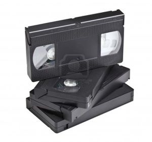 9488252-detail-de-la-cassette-vhs-classique-isole-sur-fond-.jpg