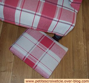 Footstool Little House JPG (7)