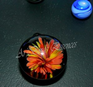perle-fleur-pendentif-verrerie-d-art-ar-bords-essences.jpg