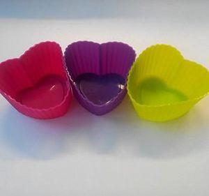 1-lot-de-moules-en-silicone--coeur-.JPG