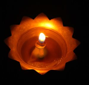 indian_oil_lamp_by_kleioamon-d577cqx-copie-1.jpg