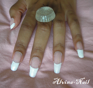 french-girly-magique2-Alvina-Nail.png