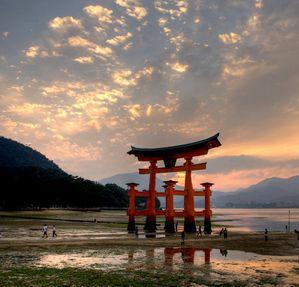 Torii-2-myjajima-Japon.jpg