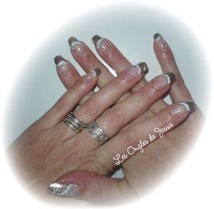 blog.french-or.nailart-fourure-blanche1.jpg