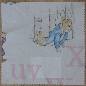 tissu-jane-churchill-beatrix-potter-alphabet.JPG