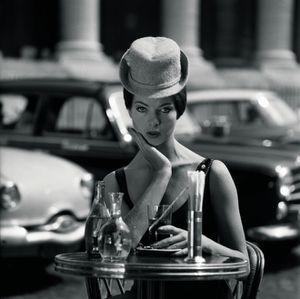 Fred_Brommet_Place_de_la_Madeleine_1956_mode_large.jpg