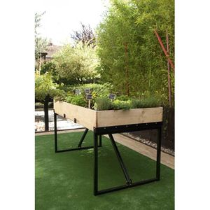 carr potager terrasse interesting bien terrasse en bois de palette jardinire hexagonal x carr. Black Bedroom Furniture Sets. Home Design Ideas
