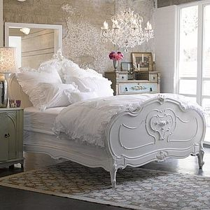 des meubles patin s pour une d co de charme la maison de blancpatine. Black Bedroom Furniture Sets. Home Design Ideas