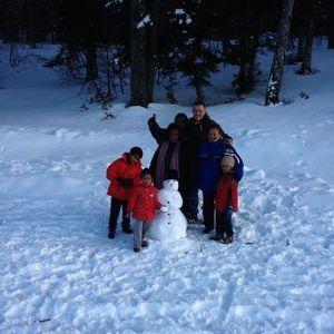 2013.01.04-Les-Wema-decouvre-la-neige-avec-Olivier-et-titi.jpg