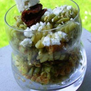 salade-de-pates-a-la-feta-et-au-pesto-4096537zagzn 1370