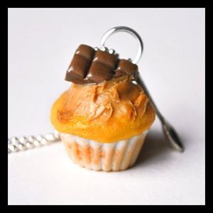 th_Collier-Fairy-Cupcakes_Peanuts-Choco1.jpg