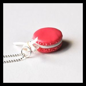 th_Collier_Macaroon_framboise.jpg
