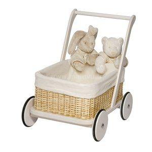 un chariot de marche pour les premiers pas de b b. Black Bedroom Furniture Sets. Home Design Ideas