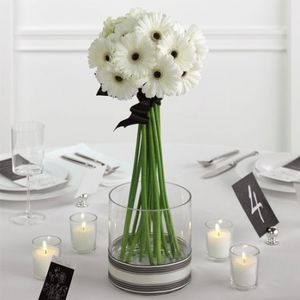 wedding-centerpieces-with-gerbera-daisies-1