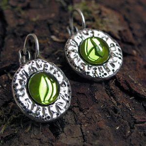 boucles oreilles metal argente medievales vert100K093