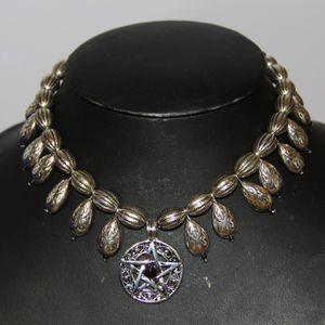 Collier tribal fusion