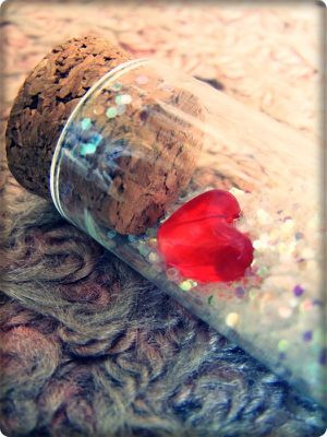 Heart_in_a_Bottle_by_Lexxen.jpg