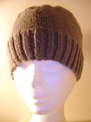 modele gratuit bonnet homme crochet 05---Bonnet-gris