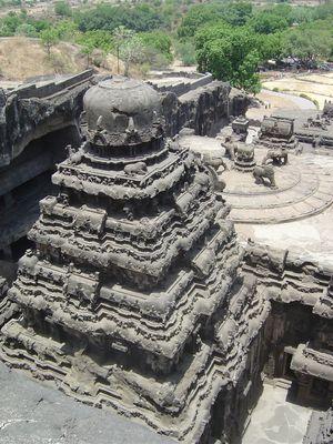 Grottes-d-Ellora-temple-de-Kailasa-VIII--me-si-cle-2.jpg